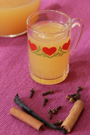 Äppeljuice, vaniljstång, kanelstång, nejlika... klart!