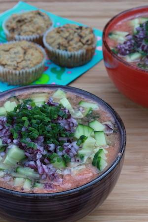 Mild och svalkande gazpacho och matiga muffins