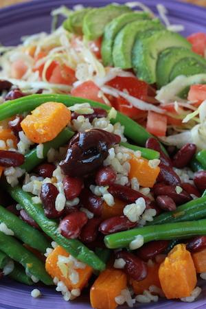 Bönor, råris, pumpa... och massor av färska grönsaker som balanserar energin. (recept från v43+45)